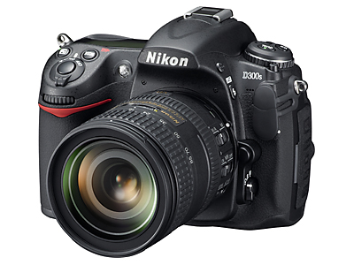 Nikon_D300S_with1685_lens_front_view